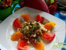 Pekinka z pomarańczem ,pomidorem i rybą