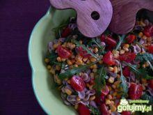 Pełna zdrowia sałatka makaronowa