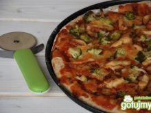 Pełnoziarnista pizza z brokułami