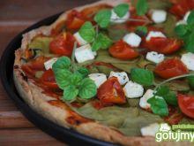 Pełnoziarnista pizza ze szpinakiem