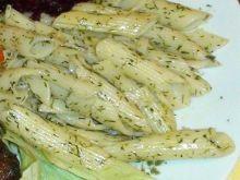 Penne w sosie koperkowym
