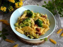 Penne z gorgonzolą i brokułami