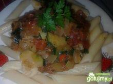 Penne z pomidorami i cukinią Zub3r'a