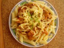 Penne z sosem mięsno-warzywnym