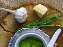 Pesto ze szczypioru czosnkowego