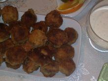 Pieczarki faszerowane kurczakiem z sosem czosnkowy