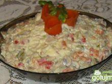 Pieczarki i papryka w sałatce