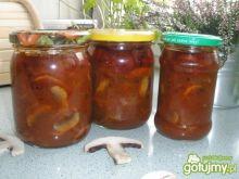 Pieczarki w sosie pomidorowym.