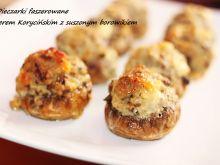 Pieczarki z serem z suszonym borowikiem