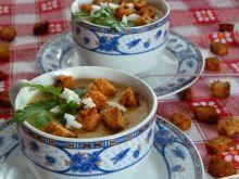 Pieczarkowa zupa krem z grzankami