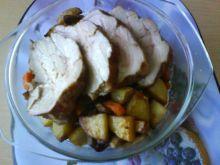 Pieczeń z karkówki z warzywami