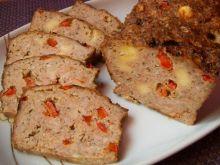 Pieczeń z papryką i żółtym serem