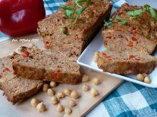 Pieczeń z suszonymi pomidorami cieciorką i papryką