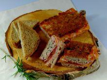 Pieczeń z szynką i serem