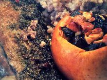 Pieczona pierś gęsi z faszerowanym jabłkiem