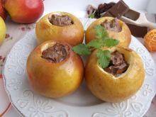 Pieczone jabłka z rodzynkami i czekoladą