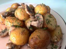 Pieczone młode ziemniaki z pieczarkami