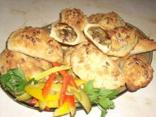 Pieczone pierogi ziemniaczane z grzybami