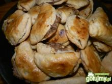 Pieczone pierożki drożdżowe