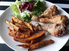 Pieczone podudzia z kurczaka z frytkami z batatów