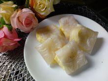 Pieczone sajgonki z serem