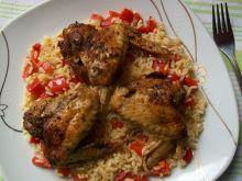 Pieczone skrzydełka na smażonym ryżu