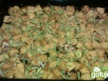 Pieczone ziemniaczki z porą z piekarnika
