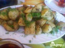 Pieczone ziemniaki z koprem