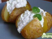 Pieczone ziemniaki z tzatziko-gzikiem