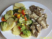 Pieczony filet z dorsza z ryżem i warzywami