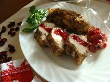 Pieczony filet z kurczaka z sosem żurawinowym