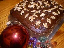 Piernik z czekoladą i orzechami