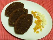Piernik z migdałami i skórką pomarańczową