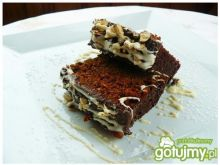 Piernik z orzechami w czekoladzie