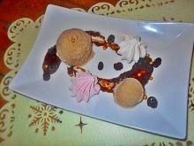 Piernikowe lody z musem śliwkowo-żurawinowym