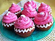 Piernikowe muffinki z bezową czapką