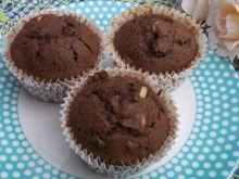 Piernikowe muffinki z rodzynkami i orzeszkami
