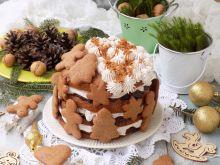 Piernikowy tort z powidłem i cynamonową śmietanką