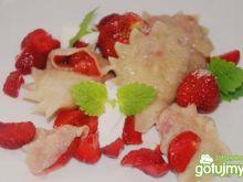 Pierogi waniliowe z truskawkami