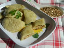 Pierogi z kaszy gryczanej z białym serem