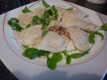 Pierogi z kurkami, kozim serem i szynką wędzoną