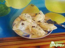 Pierogi z serem i czekoladą.