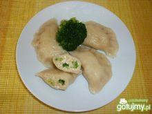 Pierogi z serem twarogowym i brokułami