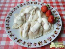 Pierogi z truskawkami i serem twarogowym