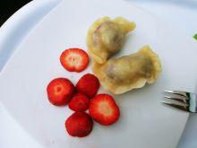Pierogi z truskawkami i wiśniami