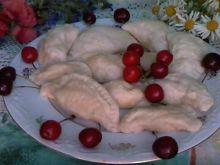 Pierogi z wiśniami