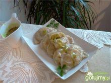 Pierogi z ziemniakami i serem żółtym