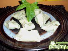 Pierogowe koperty ze szpinakiem i serem