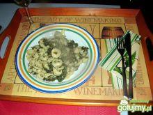 Pierożki tortellini w sosie szpinakowym