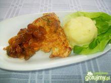 Pierś kurczaka z rodzynkami i migdałami